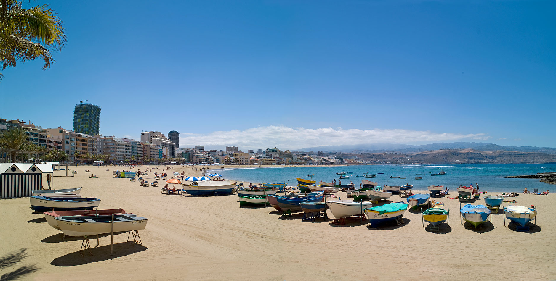 LAS-PALMAS-DE-GRAN-CANARIA-Playa-de-las-Canteras