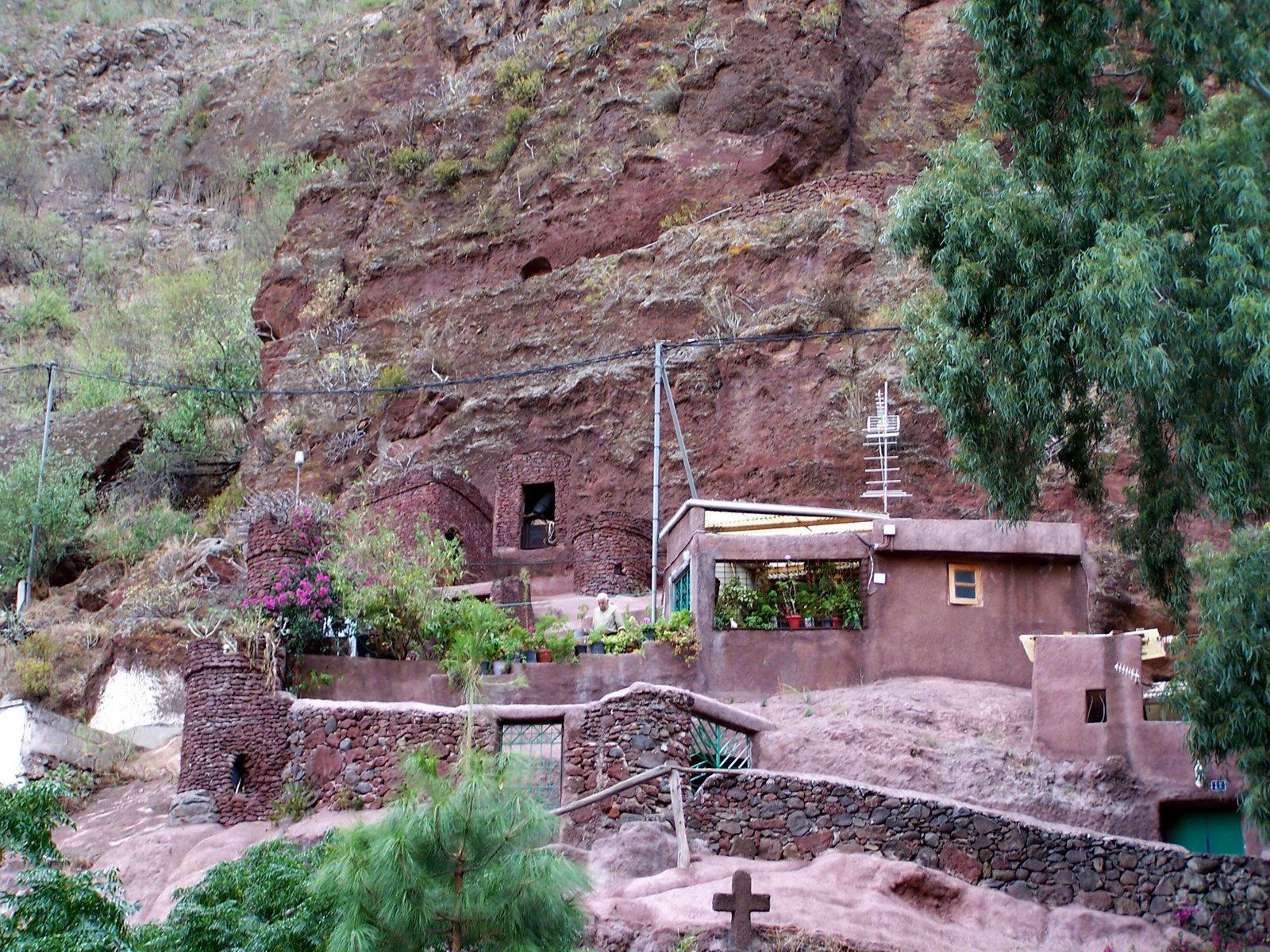 экск 4 пещеры